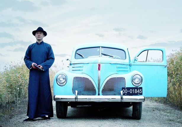ワタベは日本人ながら上海の有力マフィアのルーの良き参謀である人物