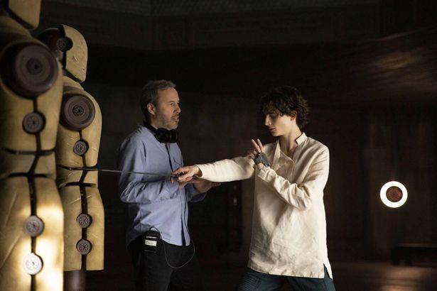 【写真を見る】『DUNE/デューン 砂の惑星』場面写真、ヴェネチア国際映画祭での様子も公開