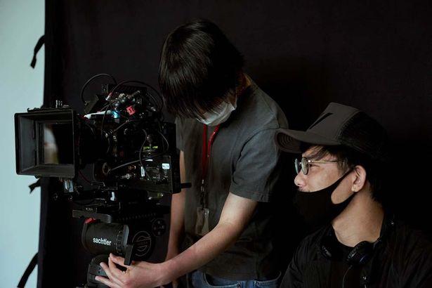 これまで二宮監督作品の劇伴を手掛けてきた堤は、今作で撮影担当に初挑戦