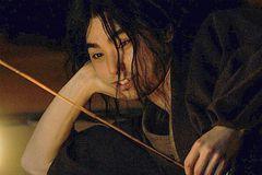 『るろ剣』『孤狼の血』『燃えよ剣』、話題作への出演が続く村上虹郎にフォーカス!
