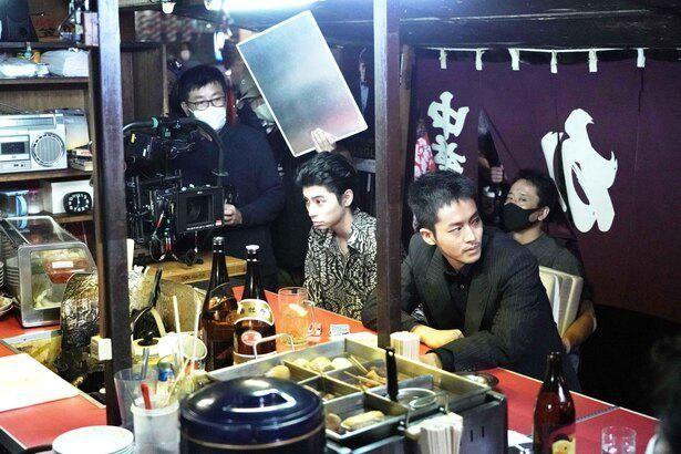 『孤狼の血 LEVEL2』では松坂桃李演じる日岡を慕うチンタ役に