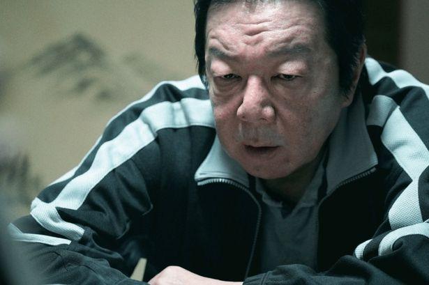 添田は、その姿も言動もモンスターと化していく