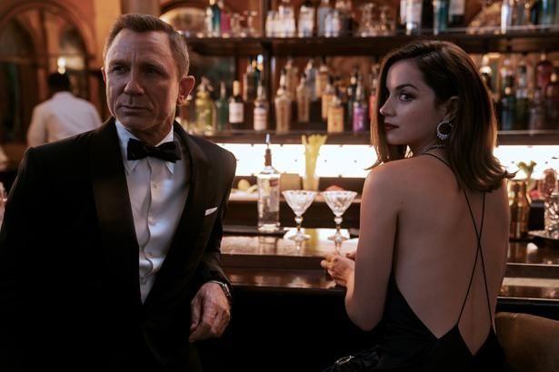 ボンドと共に戦うキューバのエージェントの活躍にも注目(『007/ノー・タイム・トゥ・ダイ』)