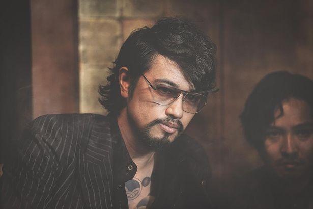 尾谷組の若頭として登場する斎藤工も、本シリーズへの出演を熱望した俳優の一人