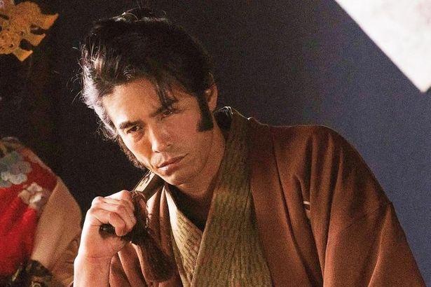 土方歳三と沖田総司が属する新選組の初代筆頭局長、芹沢鴨役に伊藤英明