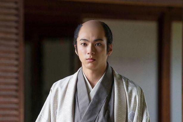 多数の大ヒット作に出演した山田裕貴は15代将軍の徳川慶喜を演じる