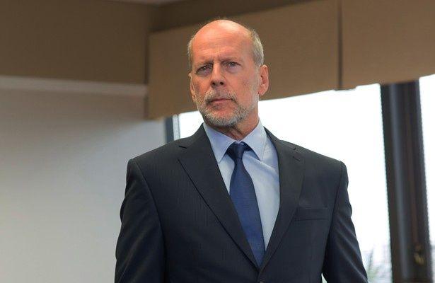 ブルース・ウィリスが冷静かつ大胆な銀行経営者に扮する『マローダーズ/襲撃者』