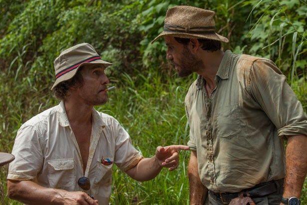 【写真を見る】マイクはケニー(マシュー・マコノヒー)と巨大金脈の発見を目指す