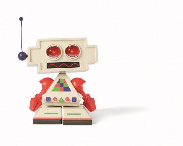宮野真守が演じるのはバルタザールの相棒ロボットのクライヴ