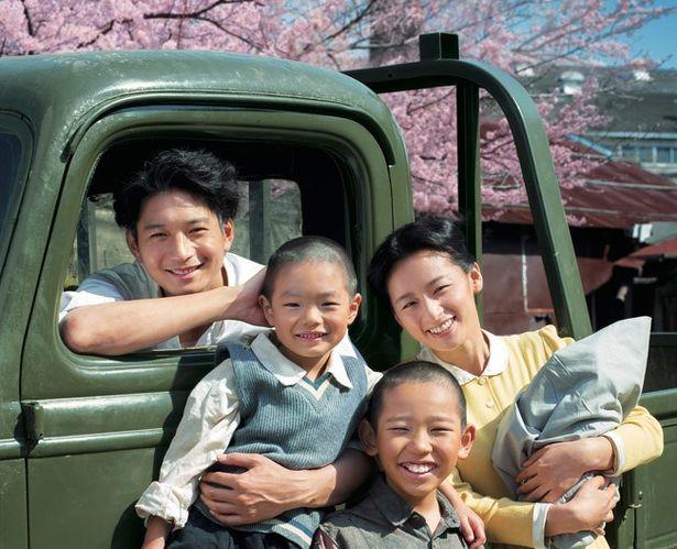 【写真を見る】向井理が自身の祖父役で出演する『いつまた、君と ~何日君再来(ホーリージュンザイライ)~』