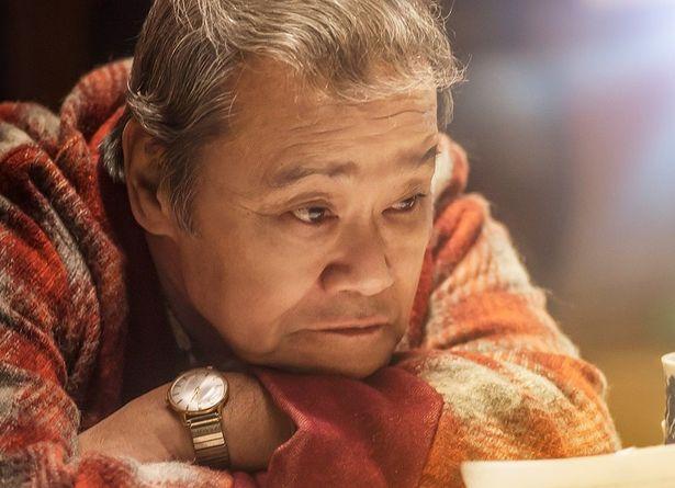 ナミヤ雑貨店で悩み相談の返事を書いていた店主、浪矢雄治