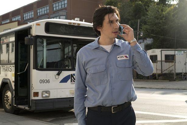 役作りのため、バスの運転講習も受けたという努力家
