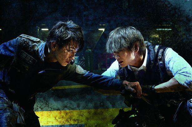 3位『亜人』は人気コミックを佐藤健と本広克行監督のタッグで実写映画化