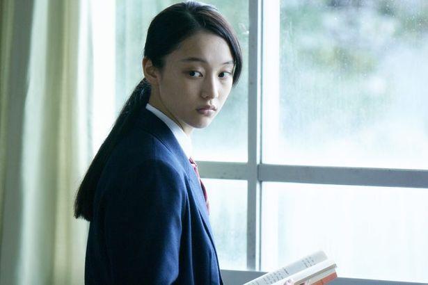現役non-noモデルの山田愛奈がAVと関わりをもつ3人のヒロインの1人、あやこを演じる