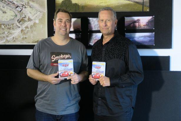 左が監督のブライアン・フィー氏。右が製作のケヴィン・レハー氏