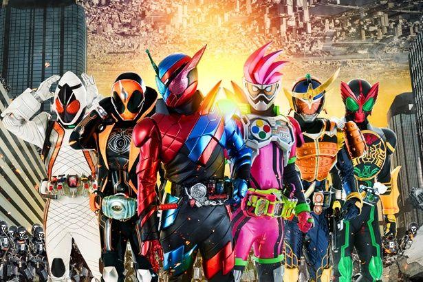 (左から)フォーゼ、ゴースト、ビルド、エグゼイド、鎧武、オーズが一堂に会する!