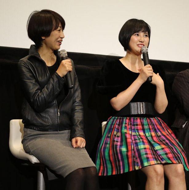 「トチカコッケ」で奥アマゾンからやってきた少女を演じた兒玉遥と監督の横浜聡子