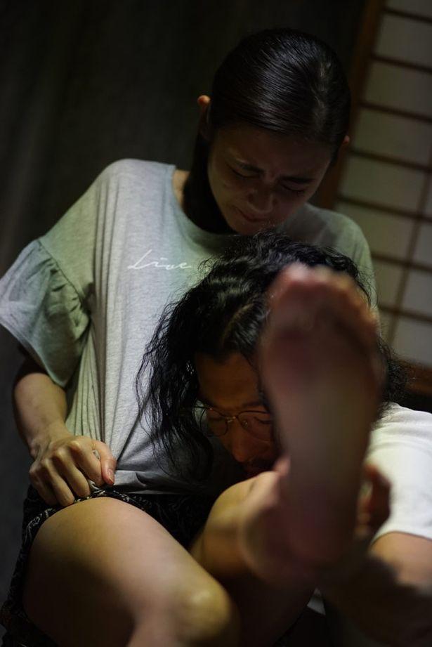 足を舐められるシーンが一番キツかったという