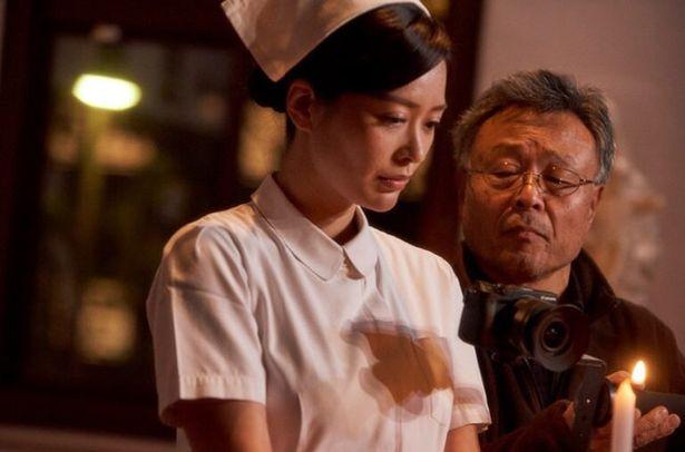 三谷幸喜や金子修介らの作品にも携わってきたベテラン、高間賢治が撮影監督を務める