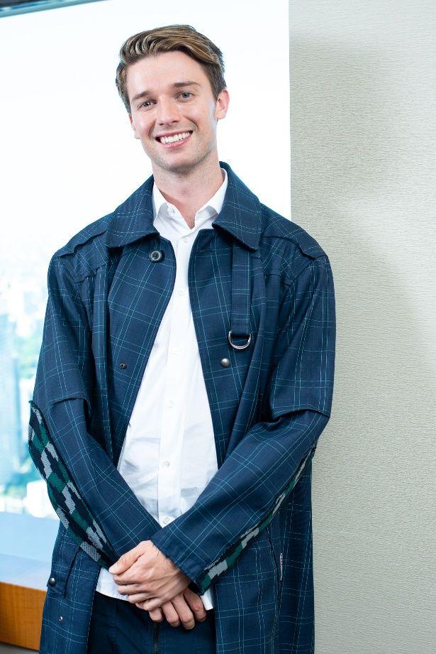【写真を見る】パトリック・シュワルツェネッガーのまぶしい笑顔に胸キュン