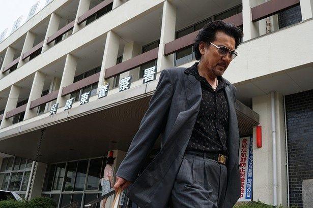マル暴のベテラン刑事・大上章吾役の役所広司