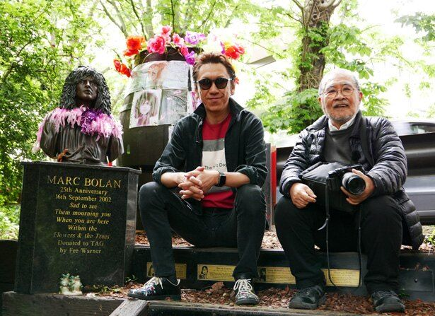 布袋寅泰やギタリストを志すきっかけになったのが、鋤田が撮影したマーク・ボランのポートレートだった