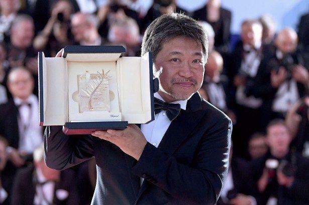 見事『万引き家族』でパルムドールを受賞した是枝裕和監督