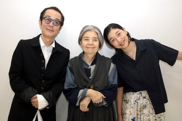 『万引き家族』で共演したリリー・フランキー、安藤サクラ、樹木希林