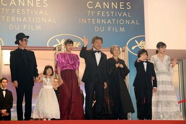 【写真を見る】カンヌ国際映画祭で、安藤サクラや松岡茉優がドレスアップして登場