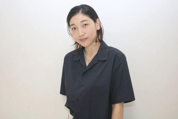 母・信代役の安藤サクラ