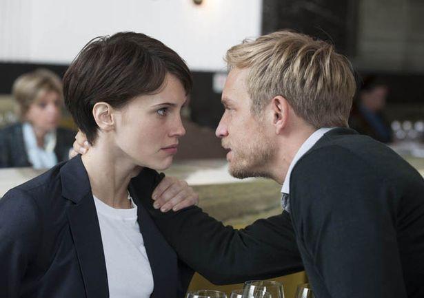 男女の駆け引きが観る者を翻弄する、フランソワ・オゾン監督の『2重螺旋の恋人』