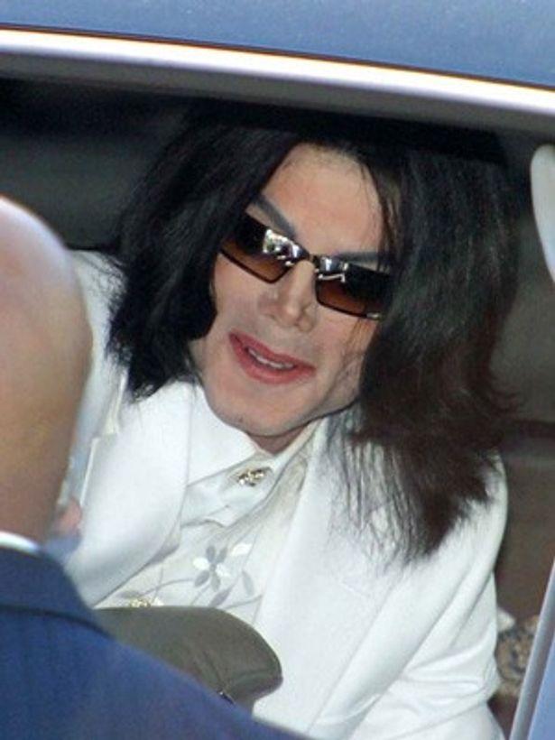 マイケル ジャクソン 肌 の 色