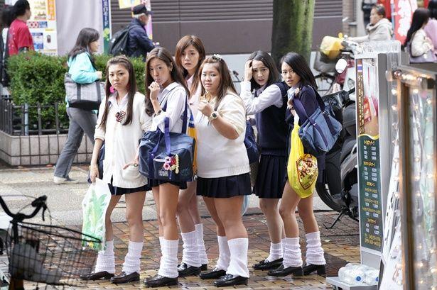 【写真を見る】シーンカットのシンクロ率もすごい!日本版『SUNNY』と韓国版『サニー』を画像で比較(『SUNNY 強い気持ち・強い愛』)