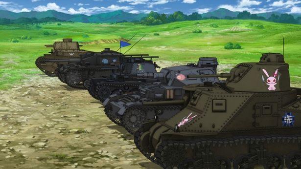 【写真を見る】みほたちが操縦するのは第二次大戦時までに活躍した実在の戦車たち