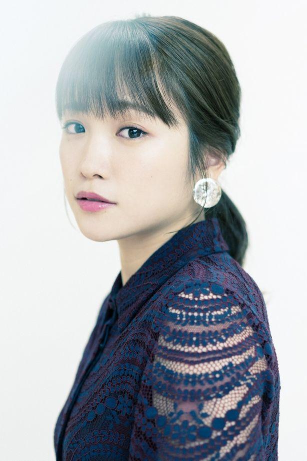 【写真を見る】女優街道を邁進中!川栄李奈が見た、名バイプレイヤーたちの姿とは?