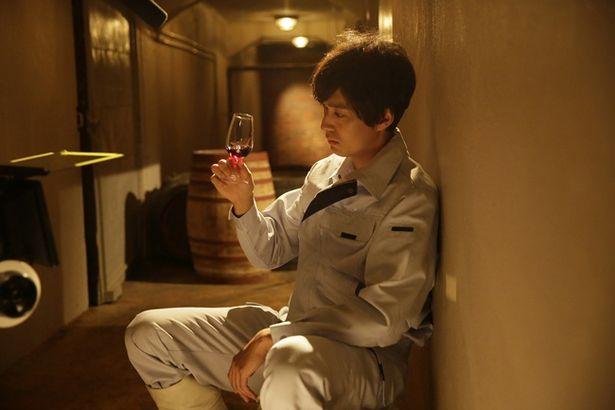 ワイン造りに挑む主人公を渡辺大が演じる(『ウスケボーイズ』)