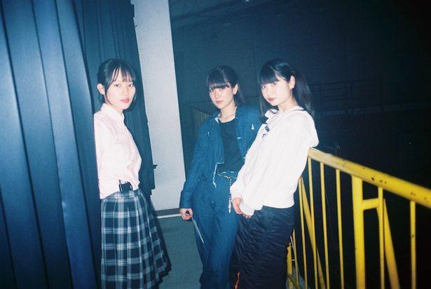 【写真を見る】『愛はどこにも消えない』は橋本愛、南沙良、小野花梨、柳英里紗と最旬女優が出演している