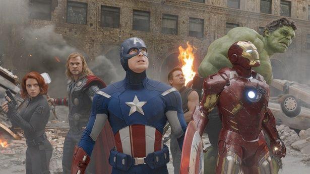 【写真を見る】アベンジャーズの初期メンバーはこの6人!(『アベンジャーズ』)