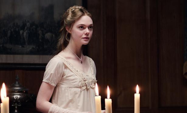 エル・ファニングがイギリス人作家メアリー・シェリーを演じる『メアリーの総て』にも満席報告が!