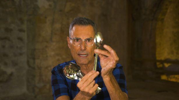 1970年代に日本でスプーン曲げブームを巻き起こした超能力者ユリ・ゲラー