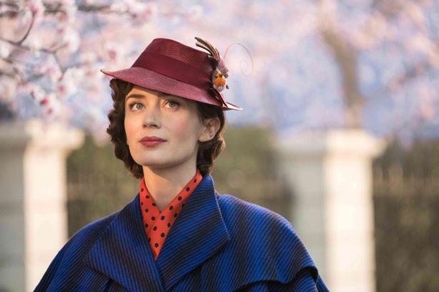 エミリー・ブラント演じるメリー・ポピンズは原作に忠実!