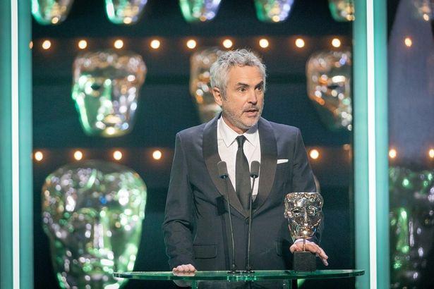 アルフォンソ・キュアロン監督が監督賞を受賞!本家アカデミー賞授賞にも弾みがついた