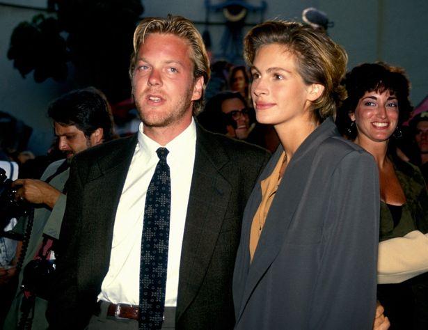 この後、『プリティ・ブライド』なんて映画にも出演したジュリア・ロバーツと、キーファー・サザーランド(若い!)