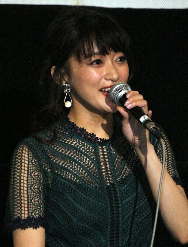 榎本英子役の茜屋日海夏