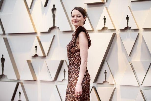 エマ・ストーンのドレスはルイ・ヴィトンのもの
