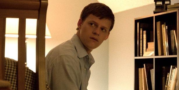 【写真を見る】闇のある表情が気になる…ハリウッド若手イケメン俳優とは?(『ある少年の告白』)