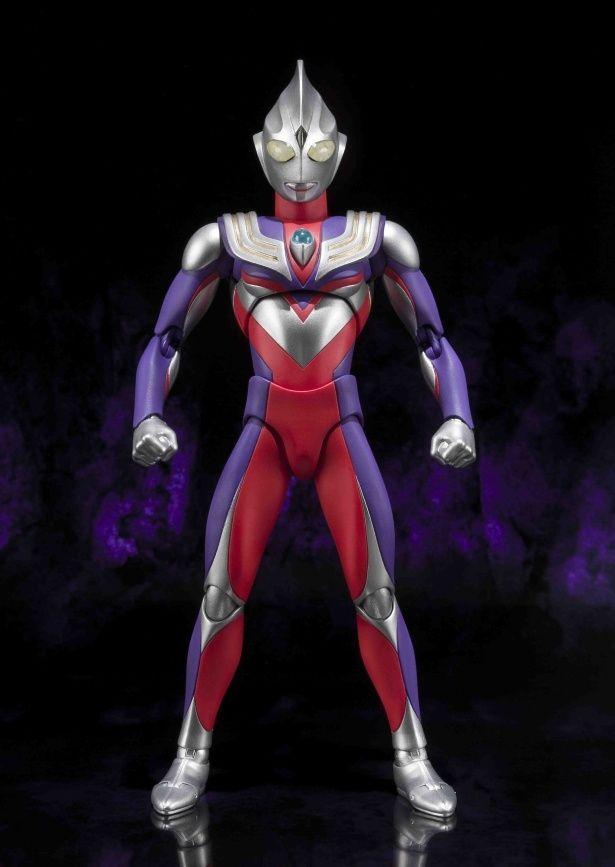 赤と紫のカラーリングが鮮やかな平成ウルトラマンの元祖ティガ!(「ULTRA-ACT ウルトラマンティガ(マルチタイプ)」)