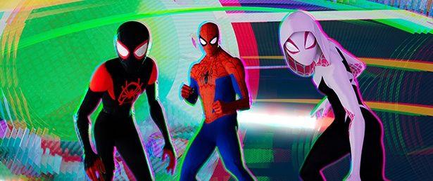 あらゆる次元から集まったスパイダーマンたちが力を合わせて悪に立ち向かう