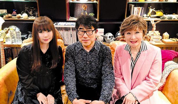 【写真を見る】名曲「風といっしょに」を小林幸子(写真右)と中川翔子(同左)が歌う。アレンジを担当するのは亀田誠治(同中央)