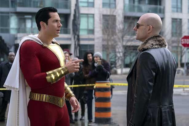スーパーパワーでやりたい放題だった悪ガキヒーローの前に強敵が!(『シャザム!』)